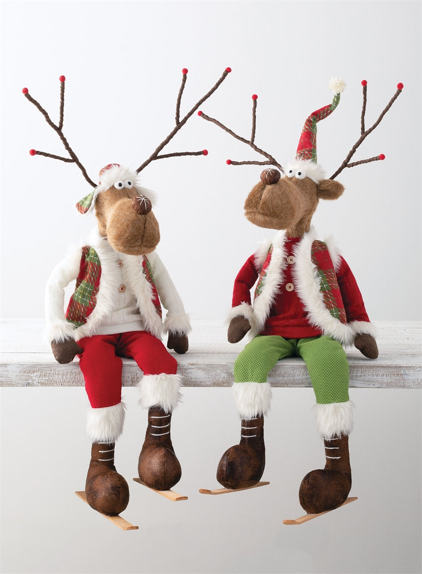 Sitting Reindeer Couple with Skis
