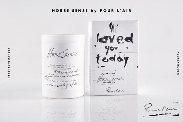 Pour l'air Candle in Horse Sense