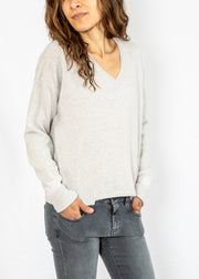 Duffy V Sweater in Nuage/Petal