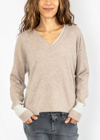 Duffy V Pullover in Tea/Nuage