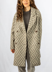 Closed Herby Coat in Ivory Chevron