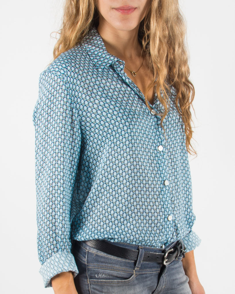 Leylie Guilda Shirt in Blue Butterflies