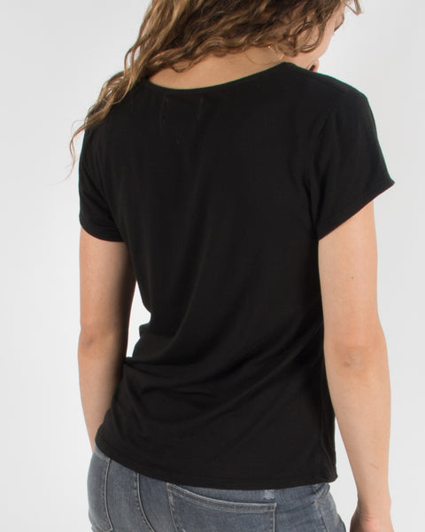 Leylie Very V-Tee in Black
