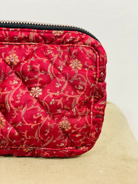 Ellies and Ivy Make-Up Bag in Cranberry