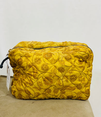 Ellies and Ivy Wash Bag in Yellow