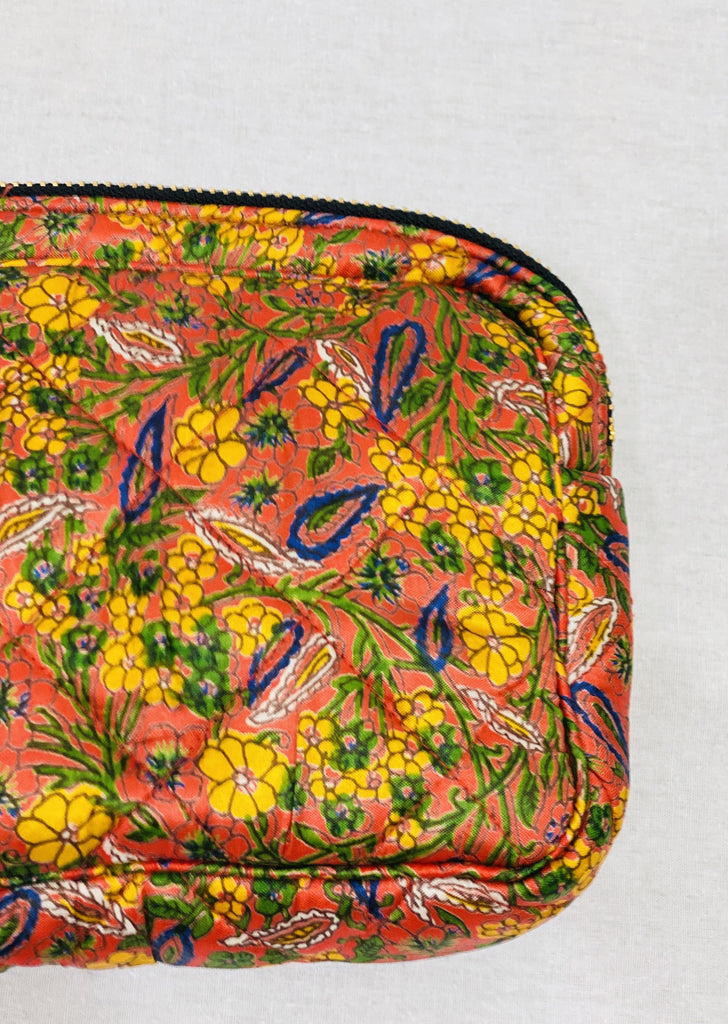 Ellies and Ivy Make-Up Bag in Bright Floral