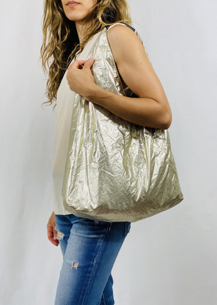 Closed Hobo Bag in Silver/Gold