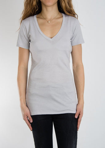 Leylie V-Neck Tee in Grey