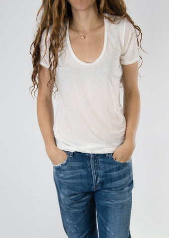 Leylie Scoop Tee in White