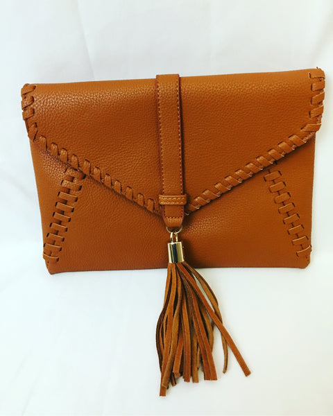 Brown clutch bag with fringe