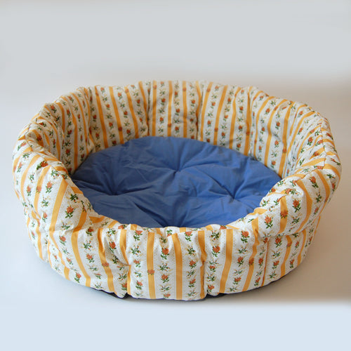 Traditional Portuguese Print Cushioned Dog Bed