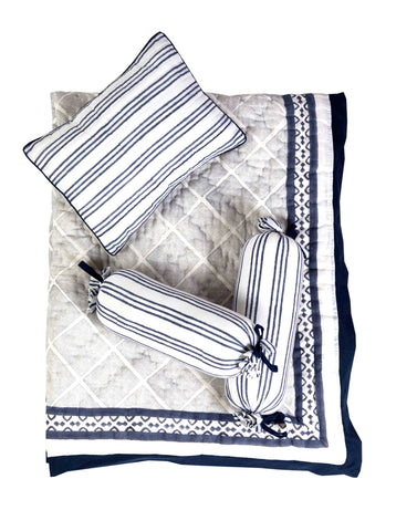 4 Pc Quilt + Decorative Cushion Set