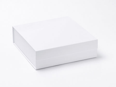 Medium White Luxury Gift box with magnetic closure (Pack of 12)