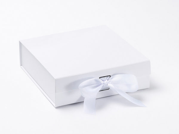 Medium White Luxury Gift box with magnetic closure, and choice of ribbon (Pack of 12)