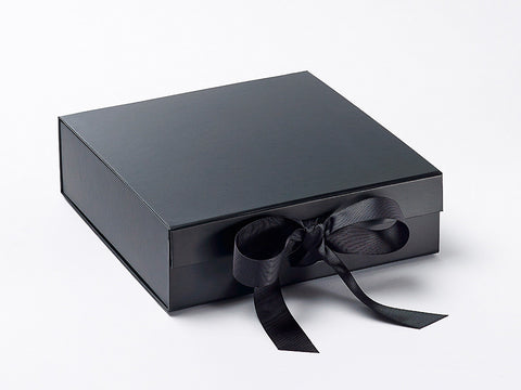 Medium Black Luxury Gift box with magnetic closure, and ribbon (12)