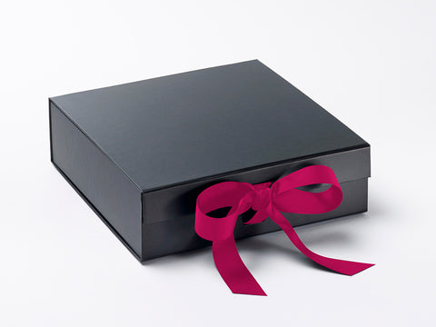 Medium Black Luxury Gift box with magnetic closure, and choice of ribbon (12)