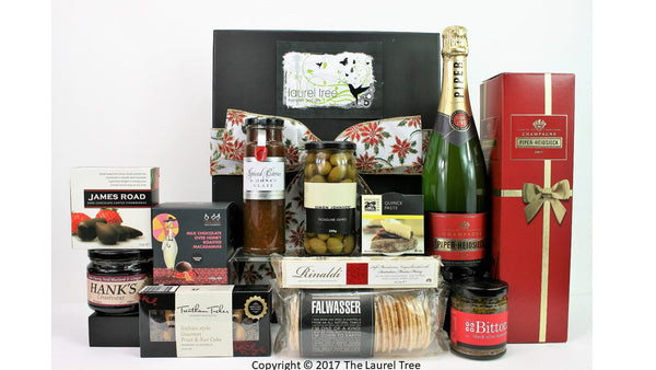 LAUREL TREE FESTIVE FUN CHRISTMAS GOURMET HAMPER