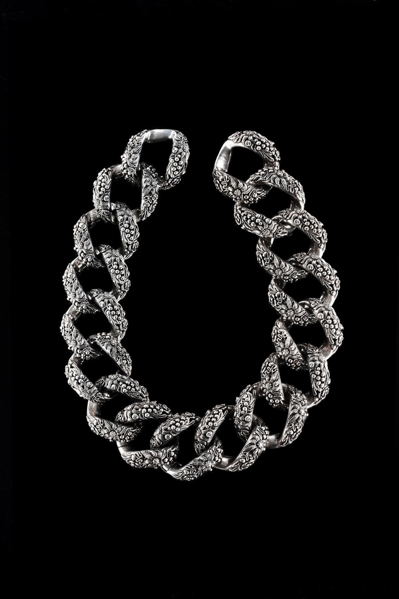 Bush Links Necklace