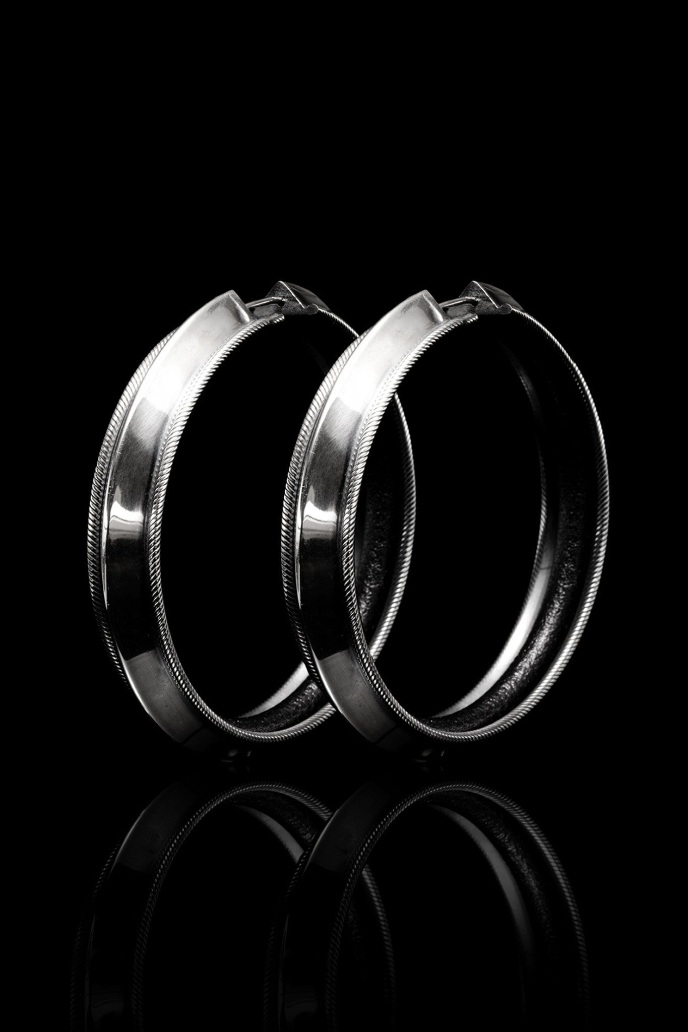 Skinny Edge Hoops