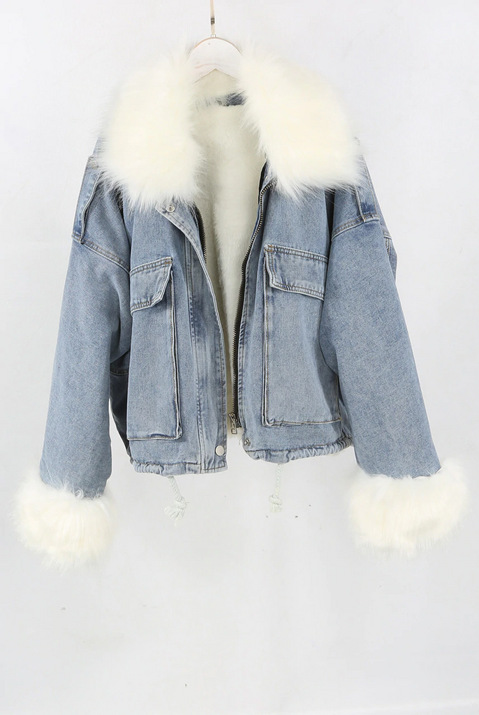 VINTAGE WASH FAUX FUR DETAIL DENIM JACKET (BLUE)