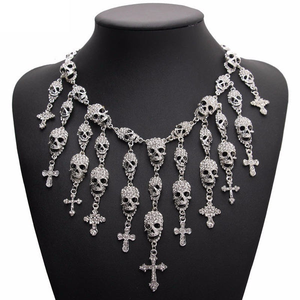 Grand collier multi têtes de mort