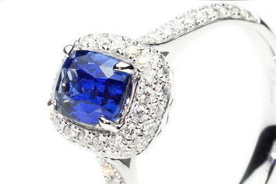 Nobility Sapphire Ring Close up - Kyllonen