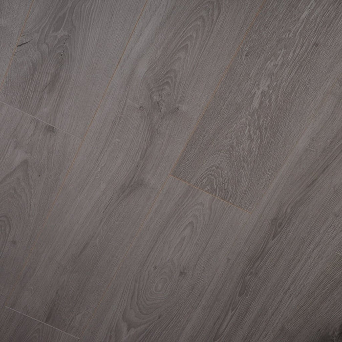 12mm Everest Oak Laminate - County