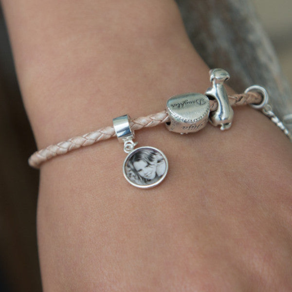 Pandora Style Jewelry: Dangle Charm (suitable For A Pandora Style Bracelet