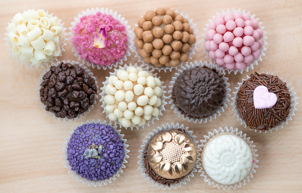 16 Brigadeiros – Valentine's Day Collection