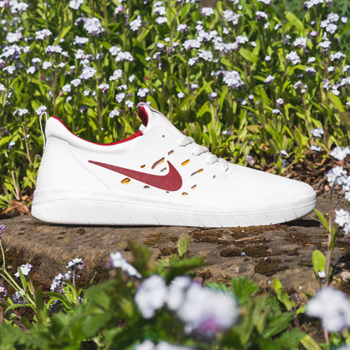 0084ae3b8886 NIKE SB NYJAH FREE. The first signature shoe from skater ...
