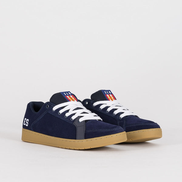 eS Sal Navy/Gum/White - Footwear