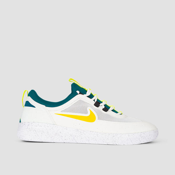 Nike SB Nyjah Free 2 Summit White/University Gold/Geode Teal - Unisex L