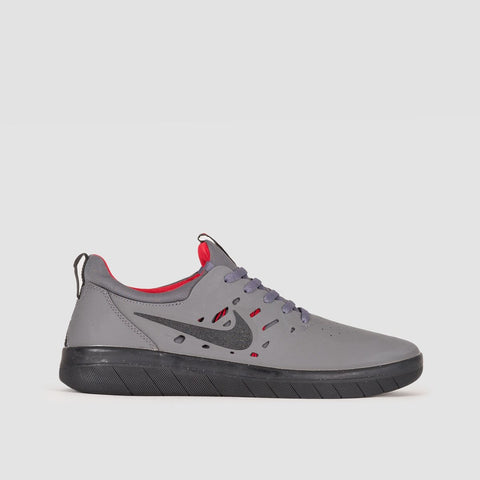 Nike SB Nyjah Free Dark Grey/Black/Gym Red - Unisex L