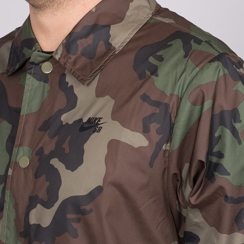 Nike SB Shield Icon Erdl Coaches Jacket Medium Olive/Black - Clothing