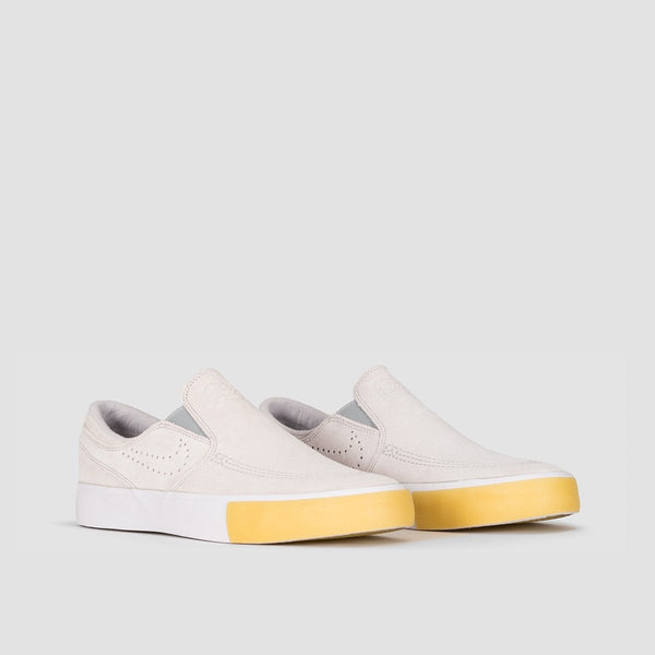 Nike SB Zoom Janoski Slip On RM SE White/White/Vast Grey/Gum Yellow - Unisex L - Footwear