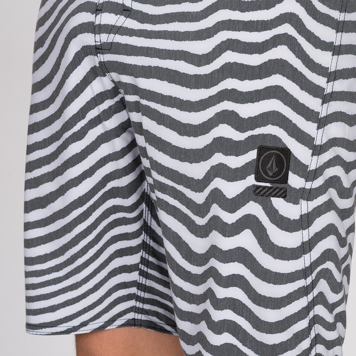 Volcom Mag Vibes Stoney 19 Boardshort Black/White - Clothing