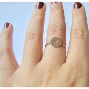 Personlig ring med bokstav gold filled ring eller sterling silver