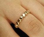 Bred guld ring hamrad 14k gold filled ring eller Sterling Silver