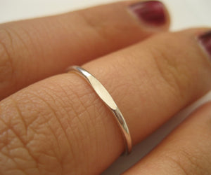 Tunn platt ring i Sterling silver 925