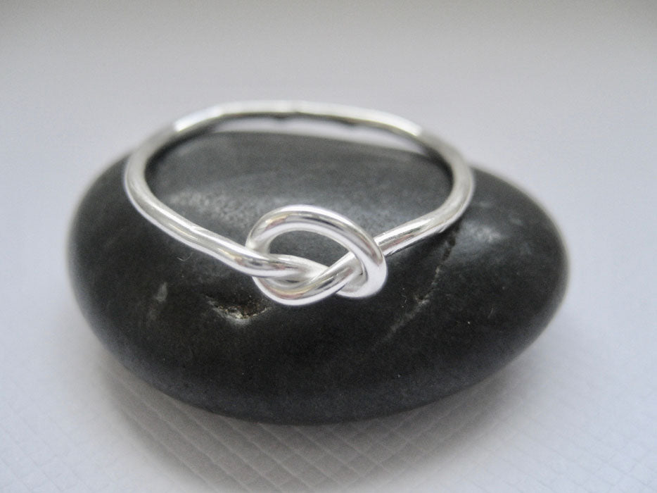 Love knot ring i sterling silver
