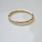Hamrad ring i 14k gold filled