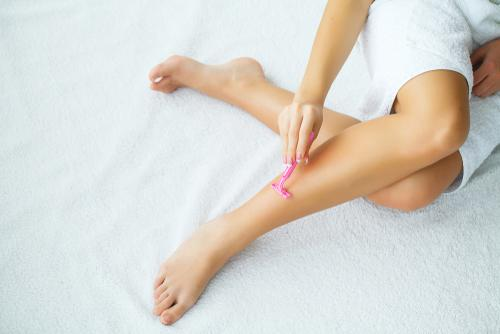 Dry Shaving Legs: A Guide to Shaving Your Legs Without Water – Whish