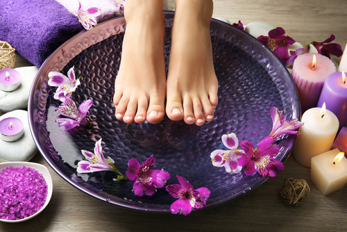 The Best Exfoliating Foot Masks to Alleviate Dry Skin