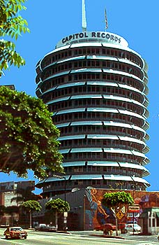 Capitol Records Building Copyright © Gary Wayne, Seeing-Stars.com