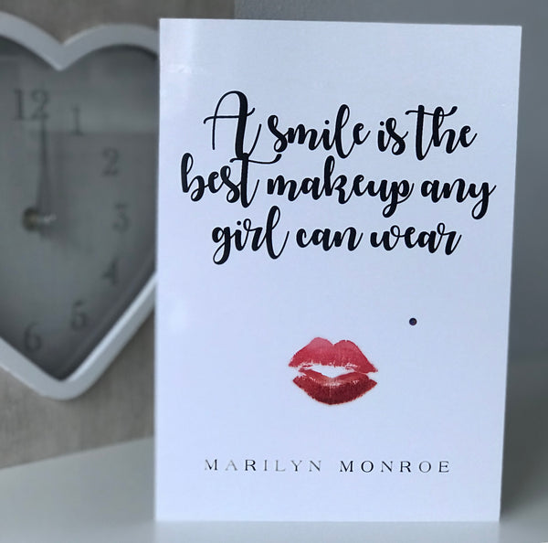 "Marilyn Monroe ""A Smile is the Best Makeup"" Glossy Greeting Card"