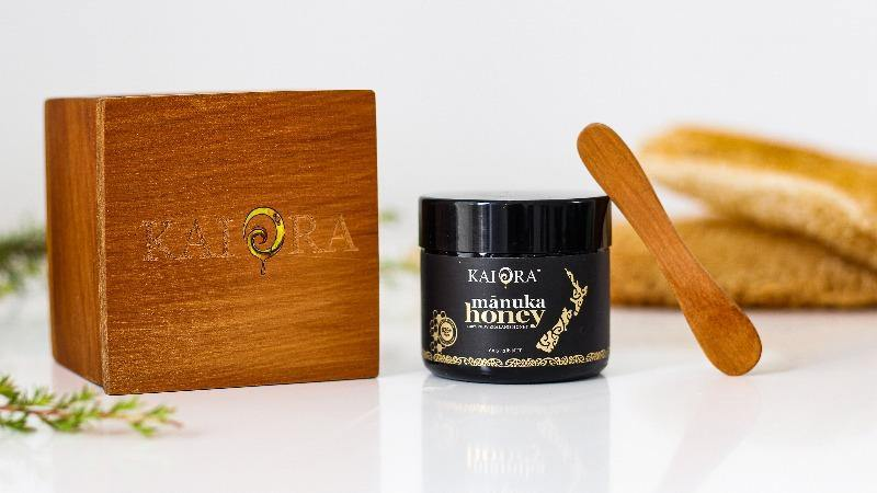 Kai Ora Honey 825+ MGO Mānuka Honey with Limited edition Kauri Gift Box