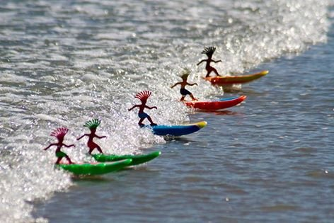 Australia Surfer Dudes Wave Powered Mini-Surfer and Surfboard Toy - Bali Bobbi