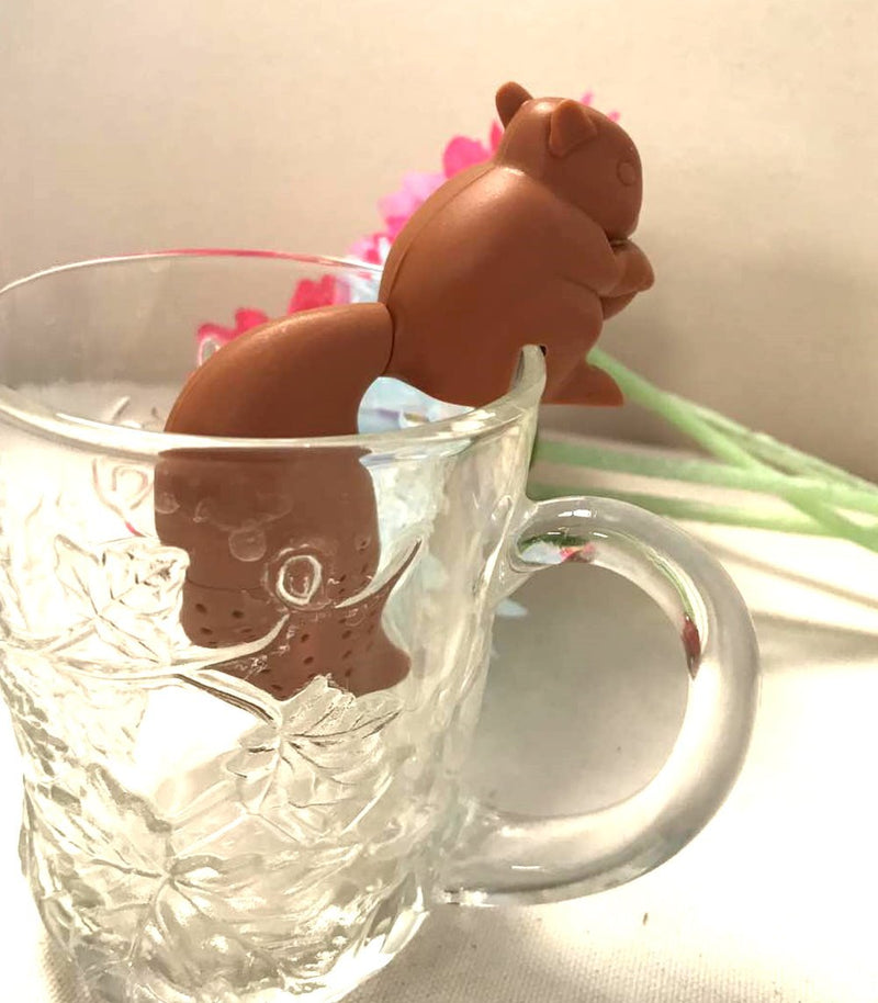 ARTIWARE Cute Squirrel Shape Tea Infuser Loose Leaf Strainer Herbal & Fruit Tea Filter Diffuser Food Grade Silicone in brown