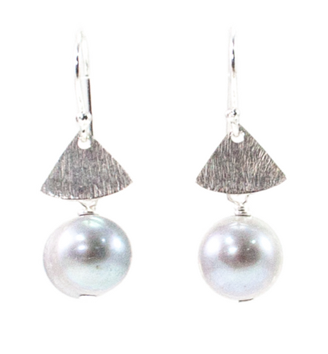 RILEY BURNETT | Silver Triangle Pearl Earrings
