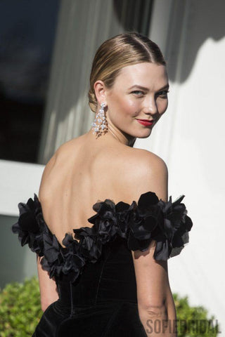 products/karlie_kloss_black_off-the-shoulder_formal_dress_amfar_2016_03.jpg